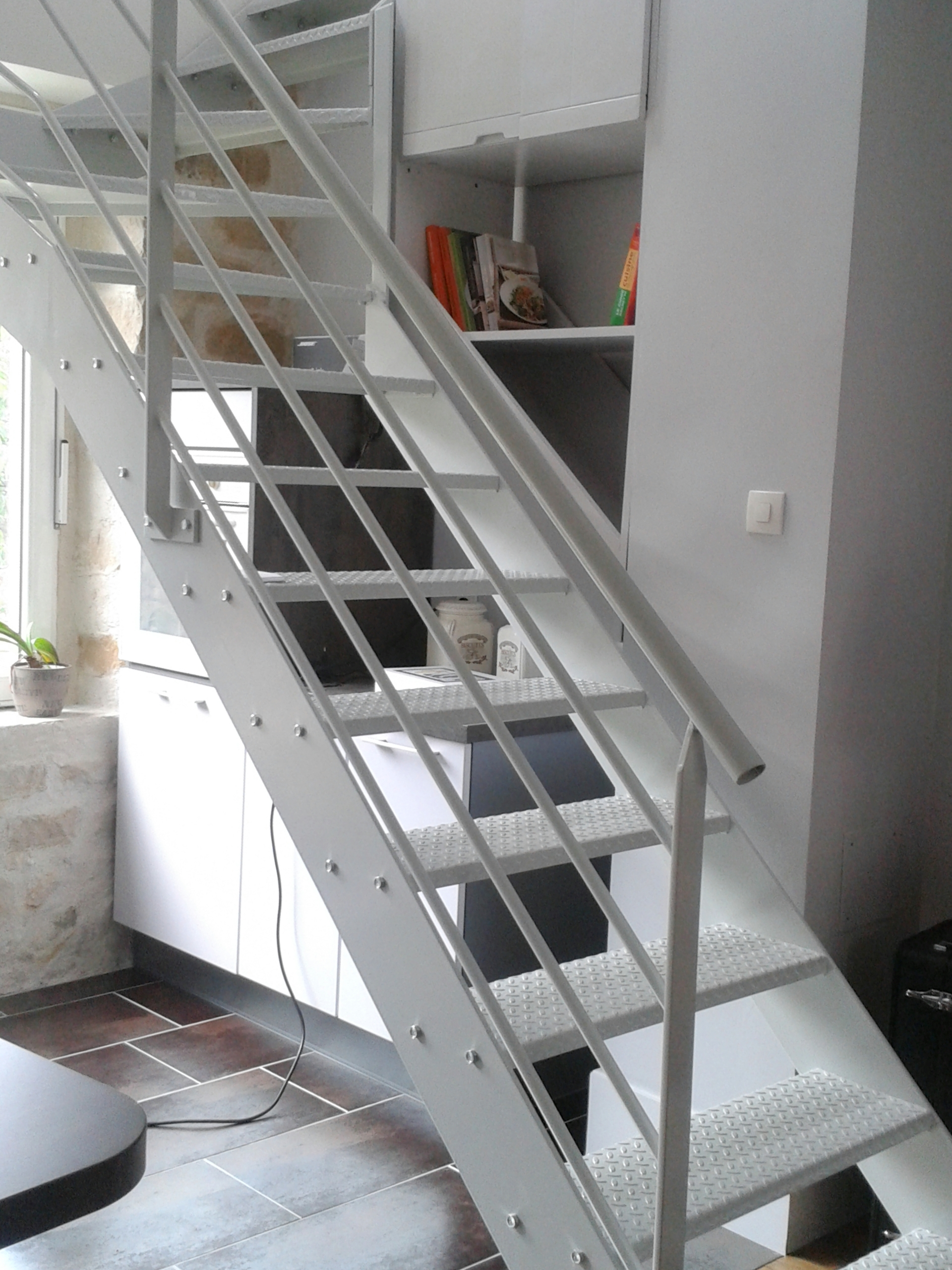 Defi m tallerie conception de v randas et de verri res d for Fabriquer un escalier en colimacon